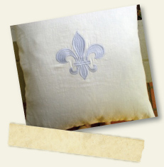 TwoGirls_pillow_fleur