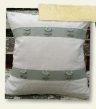 TwoGirls_pillow_seamist